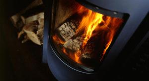 Аксессуары для камина: укрощение огня