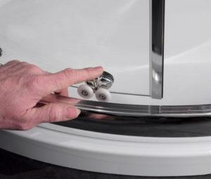Как выбрать и установить ролики для душевой кабины?
