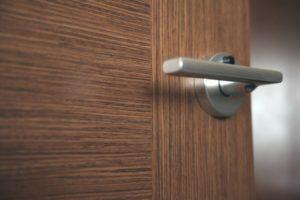 Как подобрать ручки для дверей