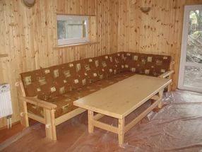 Выбираем мебель из сосны для дачи