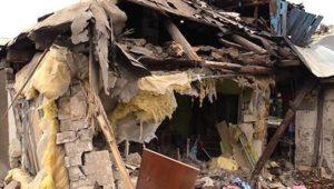 Жители наполовину обвалившегося дома в Сочи отказываются переезжать в предлагаемые властями квартиры — те грозят выселить насильно