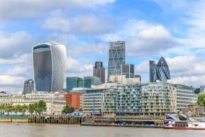 Знаменитый лондонский изогнутый небоскреб, в отблесках которого жарили яйца и гамбургеры, продан китайцам за $1,7 млрд